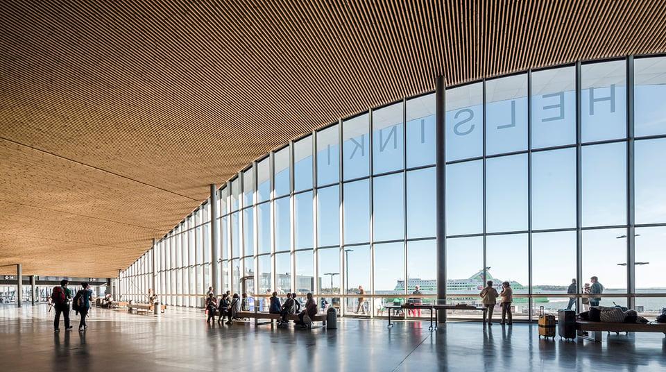 Clear Channel ja Helsingin Satama solmivat 12 miljoonaa ihmistä tavoittavan mainosyhteistyösopimuksen – jatkossa mainontaa ohjataan datan avulla erilaisten matkustajien mukaan