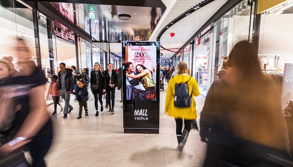 Näin suomalaiset liikkuvat nyt ja vuonna 2021 − tieliikenteessä ja kaupoissa riittää väkeä