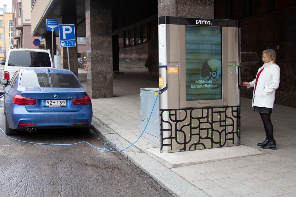 """Digitaaliset mainospinnat tekevät smart cityn eli älykkään kaupungin: """"Mainonta mahdollistaa upeita palveluja"""""""